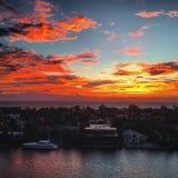 Η πανέμορφη Dawn Sunrise πέρα από τον Ατλαντικό Ωκεανό και ενδοπλεύριος Στοκ Φωτογραφίες