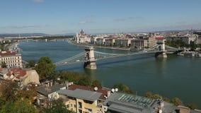 Η πανοραμική άποψη υπάρχει Δούναβη, του νησιού της Margaret, του παρασίτου στην ανατολή και του Hill Gellert απόθεμα βίντεο