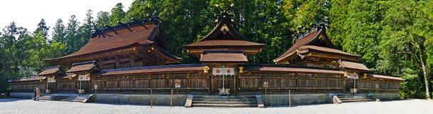 Η πανοραμική μεγάλη λάρνακα Kumano Hongu Taisha άποψης αρχαία σε Wakayama, Ιαπωνία στοκ εικόνα
