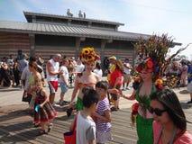 Η παρέλαση 145 γοργόνων Coney Island του 2013 στοκ φωτογραφίες