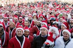 Η παρέλαση των προτάσεων Santa στις μοτοσικλέτες γύρω από το κύριο τετράγωνο αγοράς στην Κρακοβία Στοκ φωτογραφίες με δικαίωμα ελεύθερης χρήσης