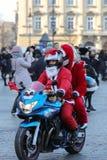 Η παρέλαση των προτάσεων Santa στις μοτοσικλέτες γύρω από το κύριο τετράγωνο αγοράς στην Κρακοβία Στοκ εικόνα με δικαίωμα ελεύθερης χρήσης