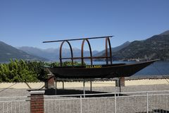 Η παραδοσιακή βάρκα Como λιμνών κάλεσε τη Lucia Στοκ Εικόνες