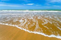 η παραλία αγοράζει θαυμά&sigm Στοκ εικόνα με δικαίωμα ελεύθερης χρήσης