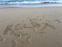 Η παραλία είναι η καλύτερη θεραπεία Στοκ φωτογραφία με δικαίωμα ελεύθερης χρήσης
