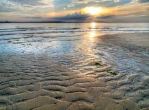 η παραλία εξέθεσε κυματ&iota Στοκ φωτογραφία με δικαίωμα ελεύθερης χρήσης
