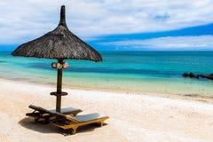 Η παραλία Μαυρίκιος με χαλαρώνει την καρέκλα Στοκ φωτογραφίες με δικαίωμα ελεύθερης χρήσης