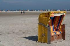 η παραλία προεδρεύει με &kapp Στοκ φωτογραφία με δικαίωμα ελεύθερης χρήσης