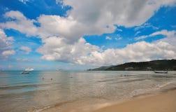 Η παραλία και το νησί Στοκ εικόνες με δικαίωμα ελεύθερης χρήσης