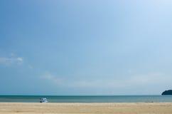 Η παραλία μόνη Στοκ Εικόνες