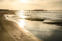 Η παραλία του Νιγκάτα εγκαθιστά τις στιγμές στοκ φωτογραφία με δικαίωμα ελεύθερης χρήσης