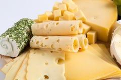 Η παραλλαγή πιάτων τυριών απομόνωσε το λευκό Στοκ Φωτογραφία