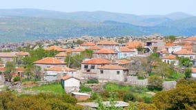 η παραδοσιακή πέτρα στεγάζει τα παλαιά τουρκικά χωριά γύρω από Assos, Canakkale, Τουρκία απόθεμα βίντεο