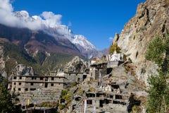 Η παραδοσιακή πέτρα χτίζει το χωριό Manang Βουνά στην ανασκόπηση Περιοχή Annapurna, Ιμαλάια, Νεπάλ Στοκ Φωτογραφίες