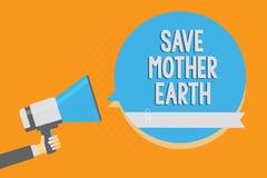 Η παρουσίαση σημειώσεων γραψίματος σώζει τη γη μητέρων Η επιχειρησιακή φωτογραφία που επιδεικνύει κάνοντας τις μικρές ενέργειες α Στοκ φωτογραφία με δικαίωμα ελεύθερης χρήσης