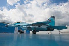 Η παρουσίαση του ρωσικού για πολλές χρήσεις εύκολου μαχητή miG-35 στον αέρα maks-2017 παρουσιάζει Στοκ φωτογραφία με δικαίωμα ελεύθερης χρήσης