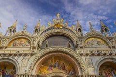 Η πατριαρχική βασιλική καθεδρικών ναών του σημαδιού Αγίου στην πλατεία SAN Marco - τετράγωνο του ST Mark ` s, Βενετία Ιταλία απεικόνιση αποθεμάτων
