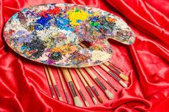 Η παλέτα καλλιτεχνών στην έννοια τέχνης στοκ φωτογραφίες