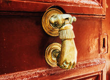 Η παλαιά λαβή πορτών Στοκ Φωτογραφίες