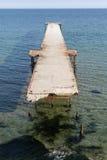 Η παλαιά αποβάθρα στη θάλασσα Στοκ εικόνες με δικαίωμα ελεύθερης χρήσης