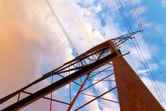 Η παλαιά γραμμή ηλεκτρικής μετάδοσης Στοκ φωτογραφίες με δικαίωμα ελεύθερης χρήσης