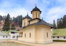 Η παλαιά εκκλησία στο μοναστήρι Sinaia, Ρουμανία Στοκ εικόνες με δικαίωμα ελεύθερης χρήσης