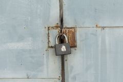 Η παλαιά κλειδαριά σιδήρου στοκ φωτογραφίες