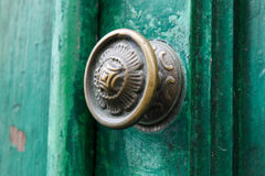 Η παλαιά πόρτα ξέρει Στοκ εικόνες με δικαίωμα ελεύθερης χρήσης