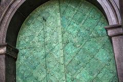 Η παλαιά πόρτα της βασιλικής βασιλικής Archcathedral των Αγίων Stanislaus και Wenceslaus στοκ φωτογραφία με δικαίωμα ελεύθερης χρήσης
