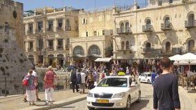 Η παλαιά πόλη της Ιερουσαλήμ κοντά στην πύλη Jaffa, αγορά οδών, άνθρωποι περπατά στην Ιερουσαλήμ, Ισραήλ Στοκ φωτογραφία με δικαίωμα ελεύθερης χρήσης