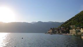 Η παλαιά πόλη Perast στην ακτή του κόλπου Kotor, Μαυροβούνιο Θόριο φιλμ μικρού μήκους