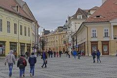 Η παλαιά πόλη Sibiu Ρουμανία κοιτάζει προς το κέντρο στοκ εικόνες