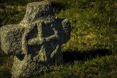 Η παλαιά ταφόπετρα Στοκ Εικόνες