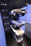 Η παλαιά BMW 745i, 633CSi, 520 και 323i στην επίδειξη στο μουσείο της BMW Στοκ Εικόνες