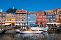 Η περιοχή Nyhavn είναι ένα από τα διασημότερα ορόσημα σε Copenhage Στοκ Εικόνες