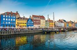 Η περιοχή Nyhavn είναι ένα από τα διασημότερα ορόσημα σε Copenhage Στοκ Εικόνα