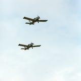 Η πετώντας επίδειξη και aerobatic παρουσιάζει σε Malopolski Piknik Lotniczy Στοκ Φωτογραφία