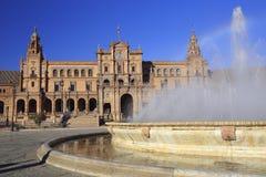 Η πηγή Plaza de Espana ή πλατεία της Ισπανίας στη Σεβίλη, Ανδαλουσία Στοκ εικόνα με δικαίωμα ελεύθερης χρήσης