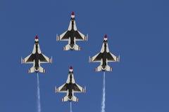 η Πολεμική Αεροπορία δηλώνει τα thunderbirds που ενώνονται Στοκ εικόνες με δικαίωμα ελεύθερης χρήσης