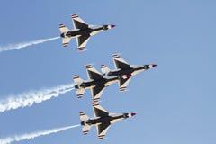 η Πολεμική Αεροπορία δηλώνει τα thunderbirds που ενώνονται στοκ εικόνες