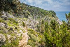 Η πορεία των μικρών φρουρίων σε Anacapri στο νησί Capri, Ιταλία στοκ εικόνες με δικαίωμα ελεύθερης χρήσης