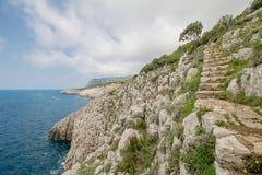 Η πορεία των μικρών φρουρίων σε Anacapri στο νησί Capri, Ιταλία στοκ φωτογραφίες