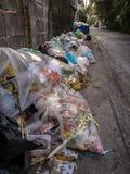 Η ποσότητα στερεών αποβλήτων στη μητρόπολη της Μπανγκόκ στοκ εικόνες