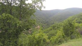 Η πράσινη κοιλάδα γύρω από Shaki στοκ εικόνα με δικαίωμα ελεύθερης χρήσης