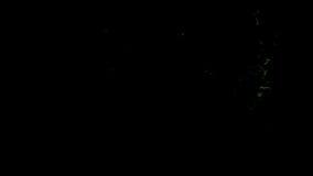 Η πράσινη πυρκαγιά ξεσπά και εξασθενίζει μακριά, με την άλφα μάσκα ελεύθερη απεικόνιση δικαιώματος