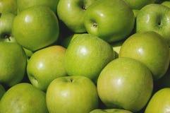 Η πράσινη Apple για την πώληση στην αγορά Υπόβαθρο γεωργίας Τοπ όψη Στοκ Εικόνες