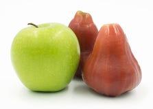 Η πράσινη Apple και αυξήθηκε Apple Στοκ Εικόνες