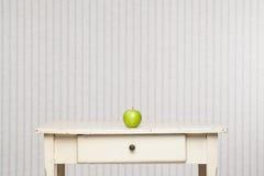 Η πράσινη Apple Στοκ εικόνες με δικαίωμα ελεύθερης χρήσης