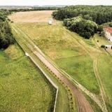 Η προηγούμενη παραμεθώρια περιοχή μεταξύ της Δυτικής Γερμανίας και της ΟΔΓ, υπαίθρια έκθεση σε Hötensleben, εναέρια φωτογραφία π Στοκ Εικόνα