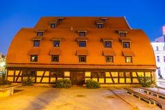 Η προκυμαία με τους διάσημους σιτοβολώνες σε Bydgoszcz, Πολωνία στοκ εικόνες